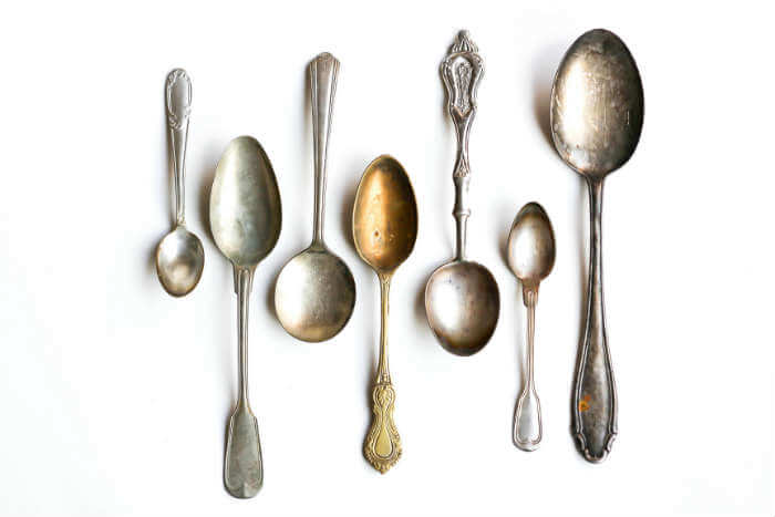 Las cucharas ejemplifican también las excentricidades de un tiempo y una cultura.